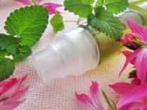 Infusion ayurvédique aux plantes aromatiques purifiantes