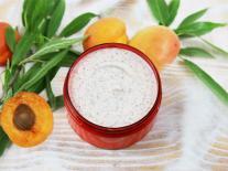 Crème exfoliante aux noyaux d'Abricot visage & corps